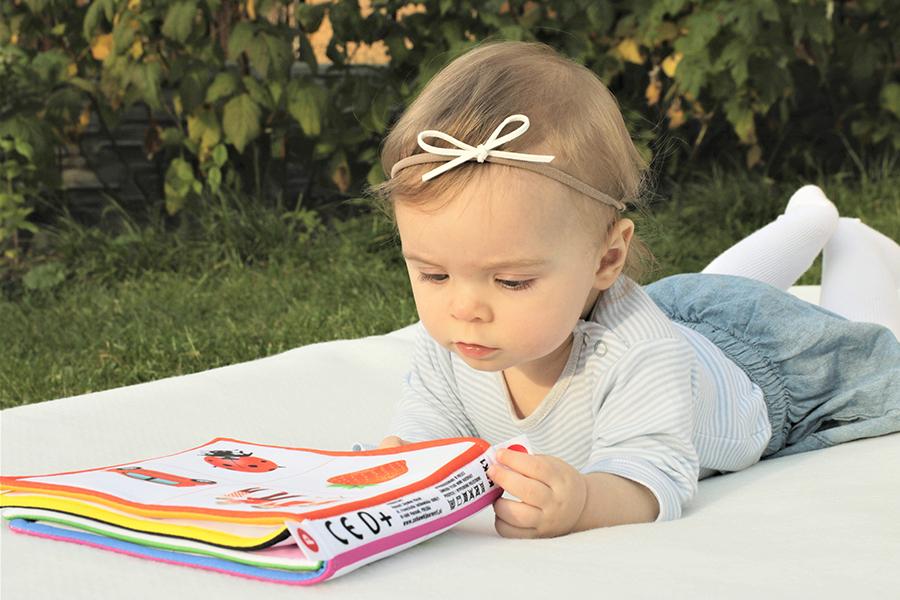 Słów kilka o rozwoju dziecka do 6 miesiąca życia